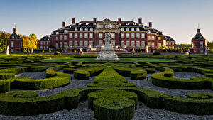 Фото Германия Ландшафтный дизайн Памятники Дворец Кусты Palace of Nordkirchen Города