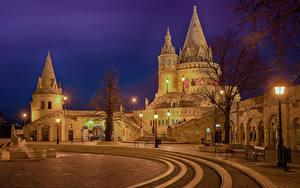Картинки Будапешт Венгрия Замки Фонтаны Ночью Уличные фонари Скамейка Улиц Buda Castle Hill Города