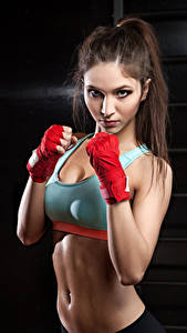 Фото Фитнес Шатенка Тренировка Взгляд Живот Девушки Спорт