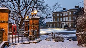 Картинка Англия Дома Вечер Зимние Лондон Забора Уличные фонари Снегу Higham Hill
