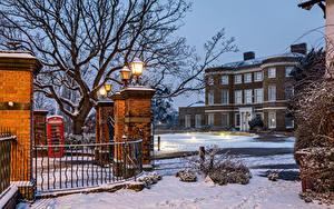 Картинка Англия Дома Вечер Зимние Лондон Забора Уличные фонари Снегу Higham Hill Города