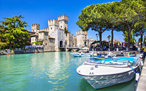 Картинка Италия Замок Озеро Катера Деревья Scaliger Castle lake Lago город