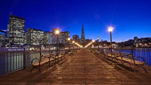 Фотография США Мосты Дома Сан-Франциско В ночи Скамья Уличные фонари Забора Города