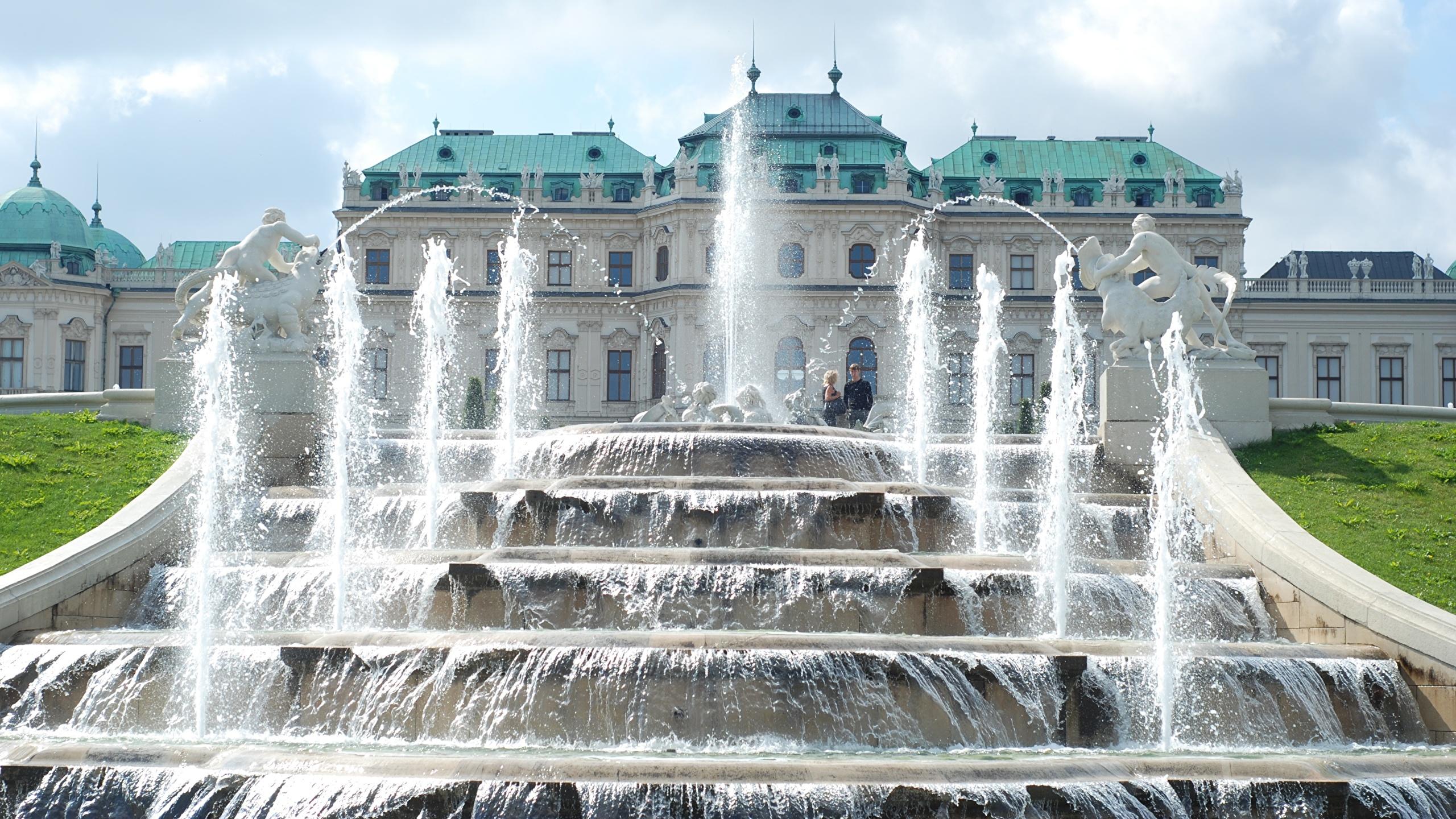 Фотографии Вена дворца Австрия Фонтаны Palace complex Belvedere Города скульптура 2560x1440 Дворец город Скульптуры
