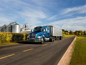 Картинка Интернешнл Грузовики Дороги Голубой Движение 2016-18 LT 56  Lo-Rise 6×4 Tractor Авто