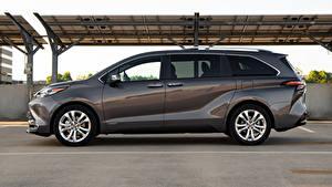 Картинки Toyota Универсал Серая Металлик Сбоку Sienna Platinum, 2020 Автомобили