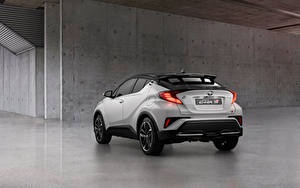 Обои Тойота Кроссовер Белый Металлик Вид сзади C-HR Hybrid GR Sport, EU-spec, 2020 Автомобили