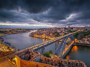 Обои Порту Португалия Дома Речка Мосты Вечер Пристань HDR Города