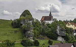 Фотографии Германия Здания Храмы Бавария Утес Hollfeld