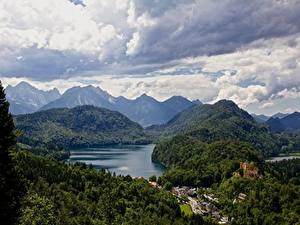 Картинка Германия Озеро Горы Леса Замки Альпы Бавария Облака Природа