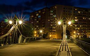 Фото Германия Дома Мост Ночью Уличные фонари Забором Zwickau Города