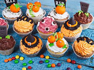 Фото Сладости Конфеты Пирожное Хэллоуин Капкейк кекс Дизайн