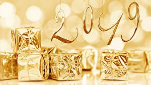Фотографии Рождество 2019 Подарки Золотой