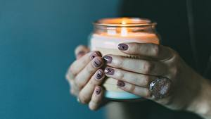 Картинка Пальцы Вблизи Пламя Руки Кольцо Маникюр