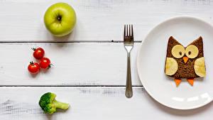 Фото Хлеб Яблоки Томаты Доски Завтрак Тарелка Дизайн Вилка столовая Пища