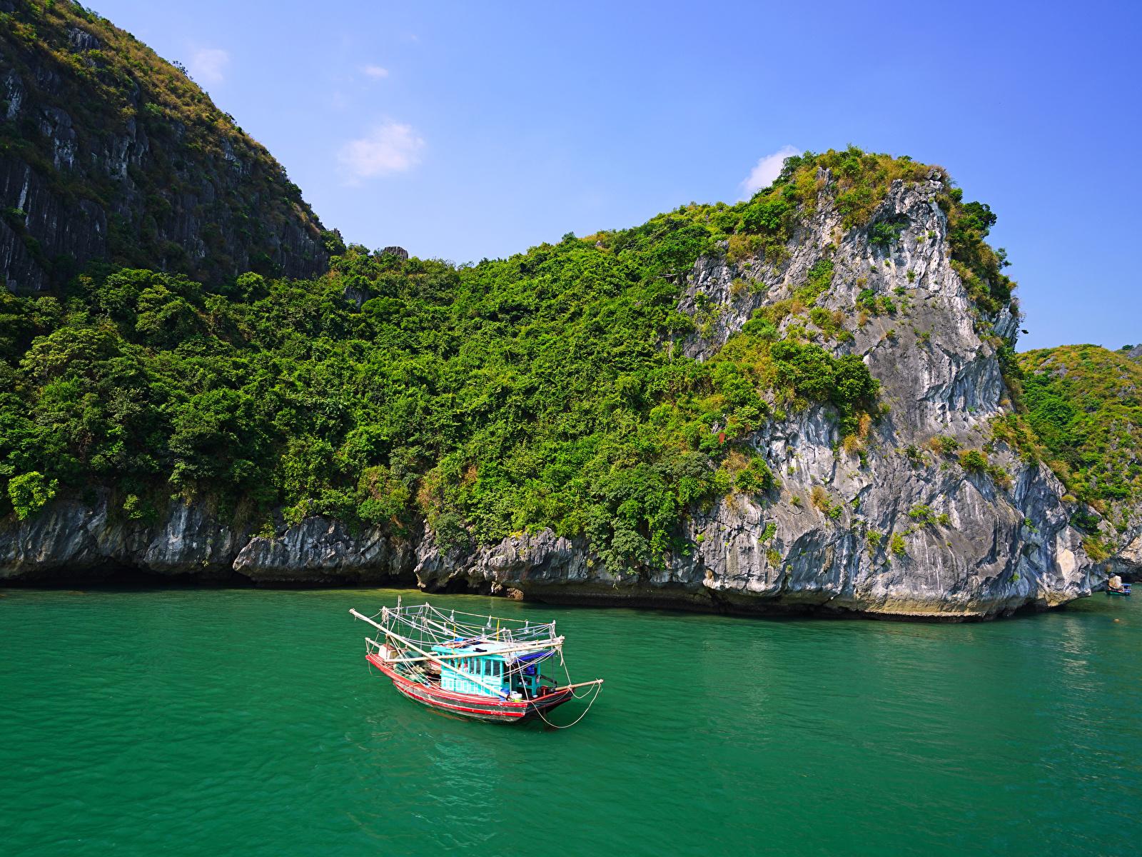Картинка Вьетнам Lan Ha Bay Скала Природа корабль заливы Катера 1600x1200 Утес скалы скале Корабли Залив залива