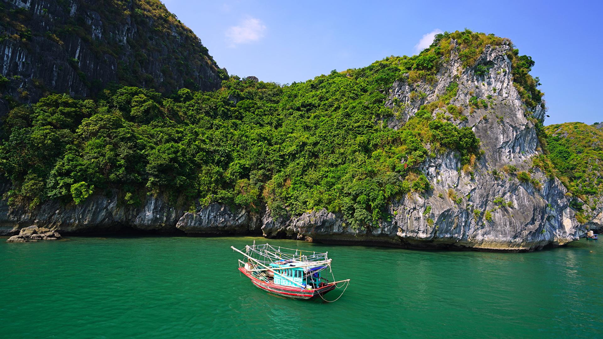 Картинка Вьетнам Lan Ha Bay Скала Природа корабль заливы Катера 1920x1080 Утес скалы скале Корабли Залив залива