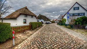 Картинки Германия Здания Дороги Улица HDRI Забор Wieck Mecklenburg-Vorpommern