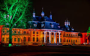 Картинки Германия Дома Дворец Ночные Деревья Schloss Pillnitz Города
