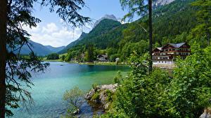 Обои для рабочего стола Австрия Горы Леса Озеро Здания Кустов Hintersee Ramsau Природа