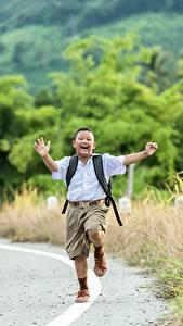Фотография Дороги Азиатка Мальчишка Шорты Бегущая ребёнок