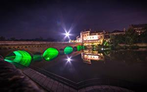 Фотографии Франция Здания Речка Мосты Лучи света Metz Lorraine Города