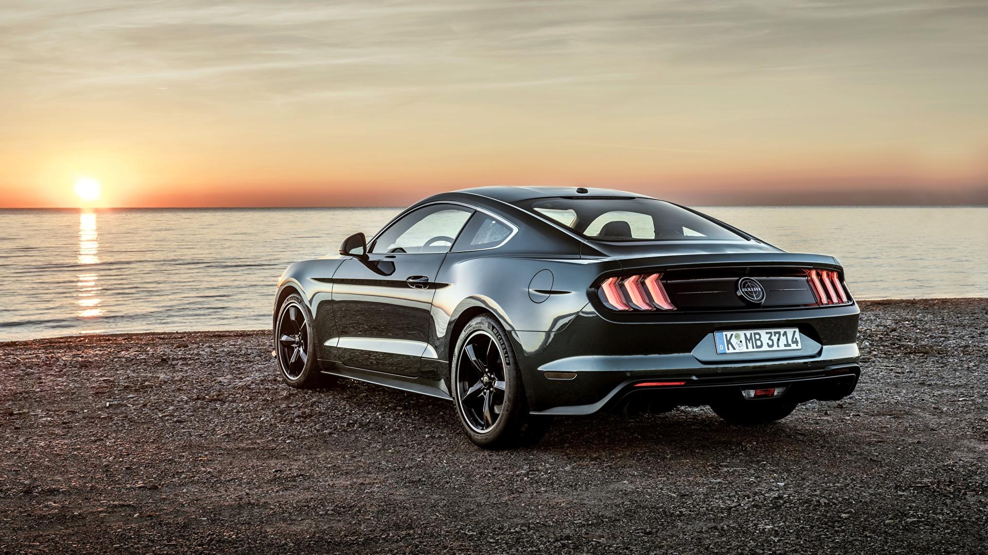 Фотография Форд 2018 Bullitt Mustang рассвет и закат Металлик вид сзади Автомобили 1920x1080 Ford Рассветы и закаты авто Сзади машины машина автомобиль