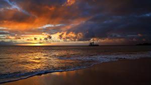 Фотографии Рассветы и закаты Берег Волны Небо Облака Природа