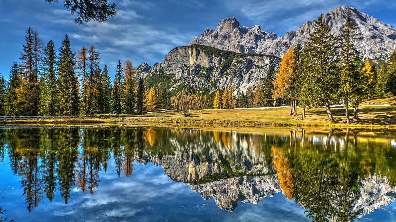 Фото Италия Dolomites Lake Antorno гора Природа Озеро Пейзаж отражается 1366x768 Горы Отражение отражении