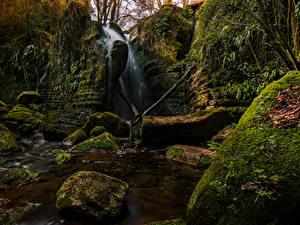 Фото Испания Водопады Камни Скалы Мох El Sallent Catalonia
