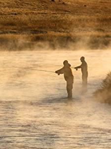 Обои Река Утро Мужчины Рыбалка Туман Вдвоем