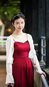 Фотографии Азиаты Платья Взгляд Брюнетки Девушки