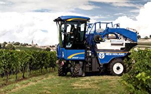 Фотография Сельскохозяйственная техника 2015-19 New Holland Braud 7030M