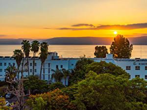 Фотографии Израиль Здания Рассвет и закат Дерево Galilee город