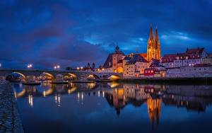Фотографии Вечер Мост Речка Здания Германия Regensburg Danube River