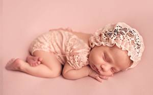 Картинка Спит Младенцы Цветной фон