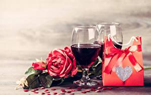 Картинка День всех влюблённых Вино Розы Подарки Сердечко Бантик Бокалы Цветы Еда
