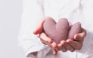 Фотография Пальцы День святого Валентина Серце Рука
