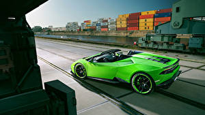 Фотография Lamborghini Салатовая Родстер Spyder Novitec Torado Huracan автомобиль