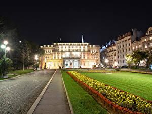 Фотографии Здания Сербия Ночь Уличные фонари Газон National Assembly Belgrade