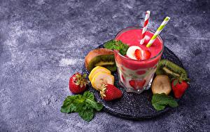 Картинки Йогурт Клубника Бананы Киви Стакане Пища