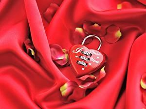 Картинки День святого Валентина Сердце Лепестки Красные Навесной замок