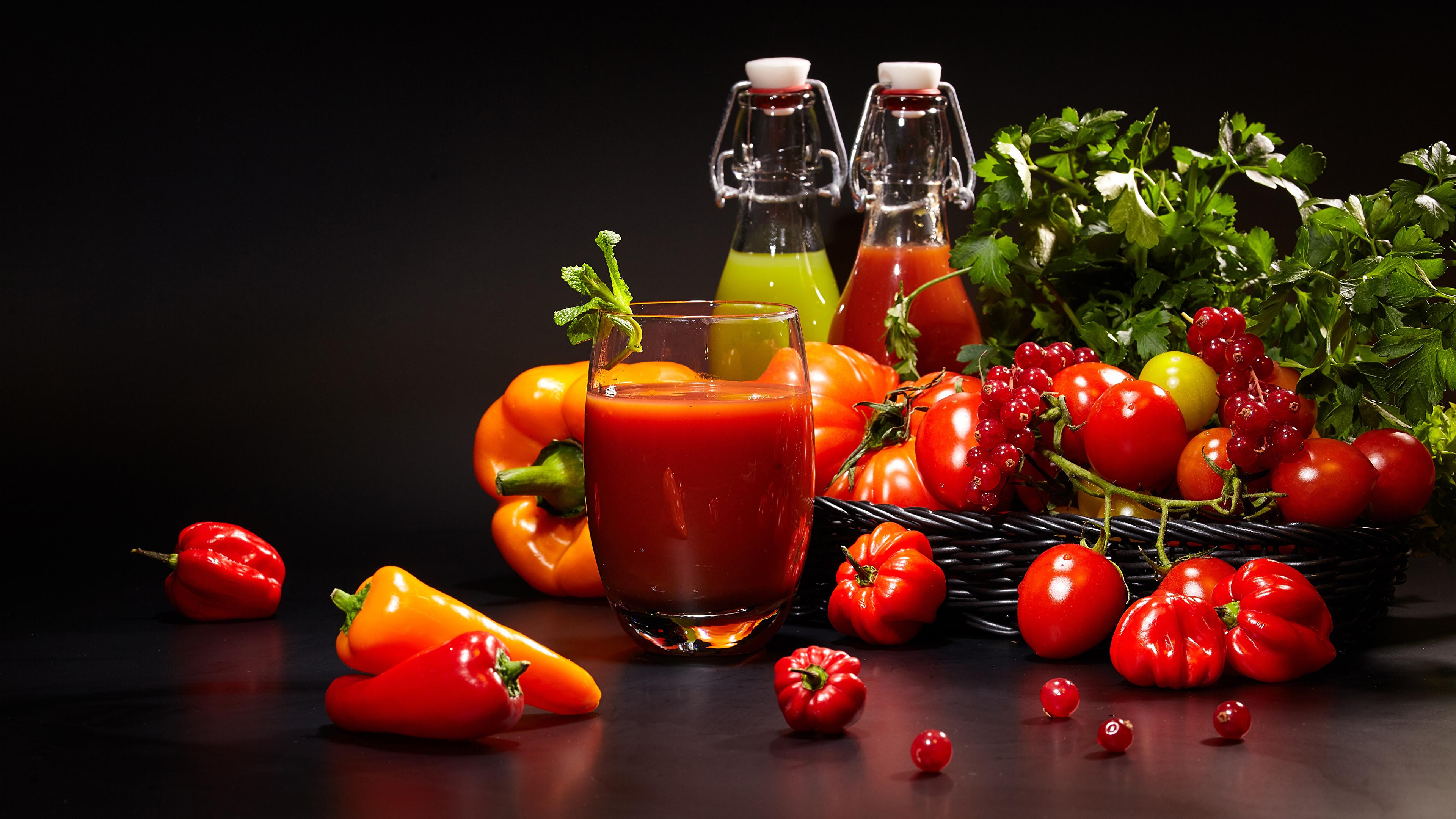 Фото Сок Помидоры стакане Смородина Пища Перец Овощи 3840x2160 Томаты Стакан стакана Еда Продукты питания