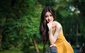 Фото Азиаты Боке Позирует Рука Платье Волосы Взгляд