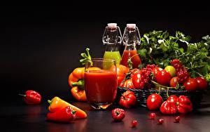 Фото Овощи Томаты Перец овощной Сок Смородина Стакан Продукты питания