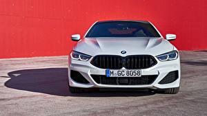 Фотография BMW Белая Металлик Спереди Купе G16 8-Series 2019 Gran Coupe