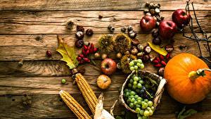 Картинки Тыква Виноград Яблоки Кукуруза Доски Корзинка Еда