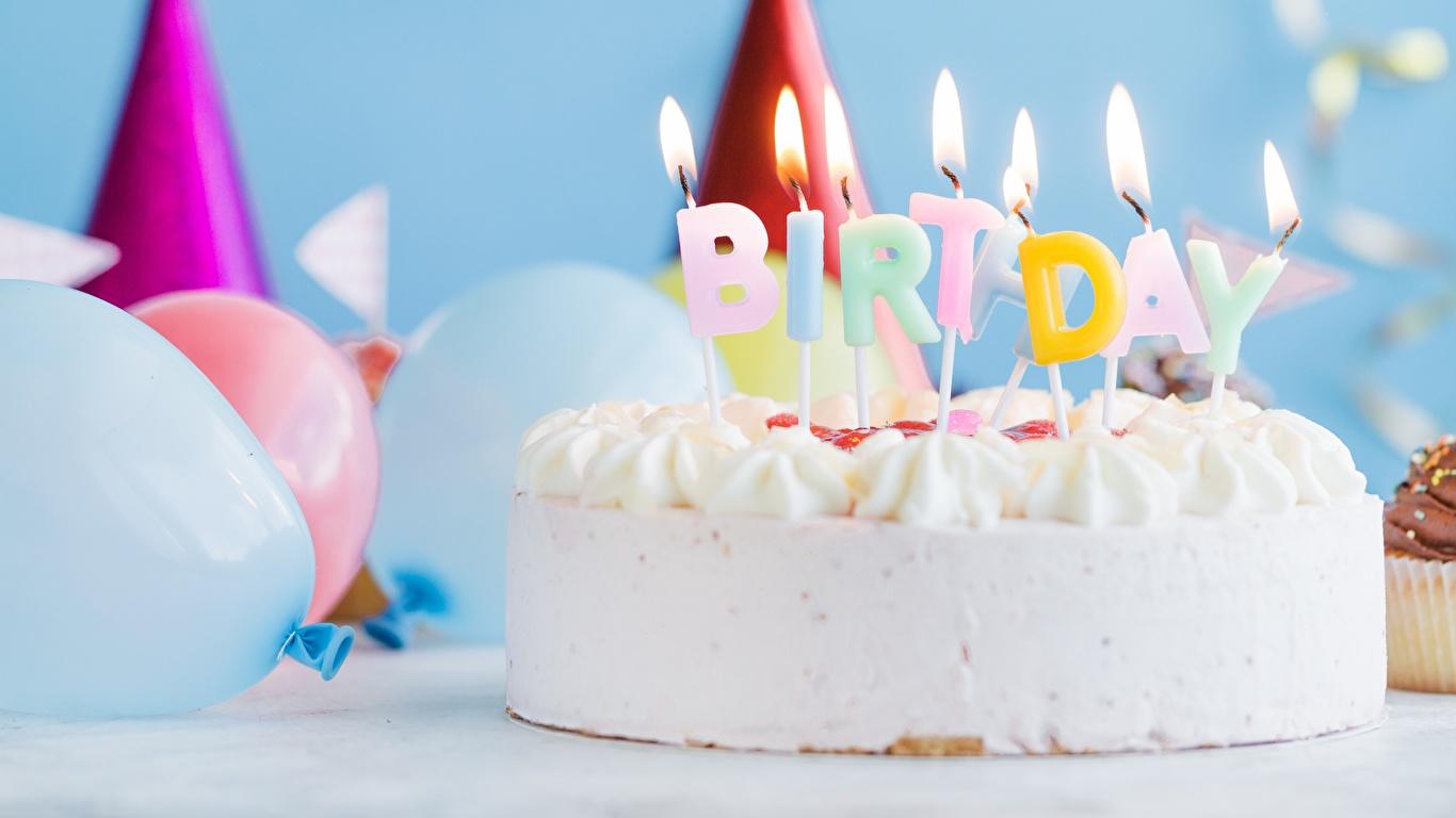 Картинка День рождения Торты Пламя Пища Свечи 1366x768 Огонь Еда Продукты питания