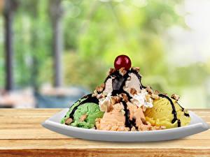 Фотографии Сладости Мороженое Шоколад Черешня Шарики Тарелка
