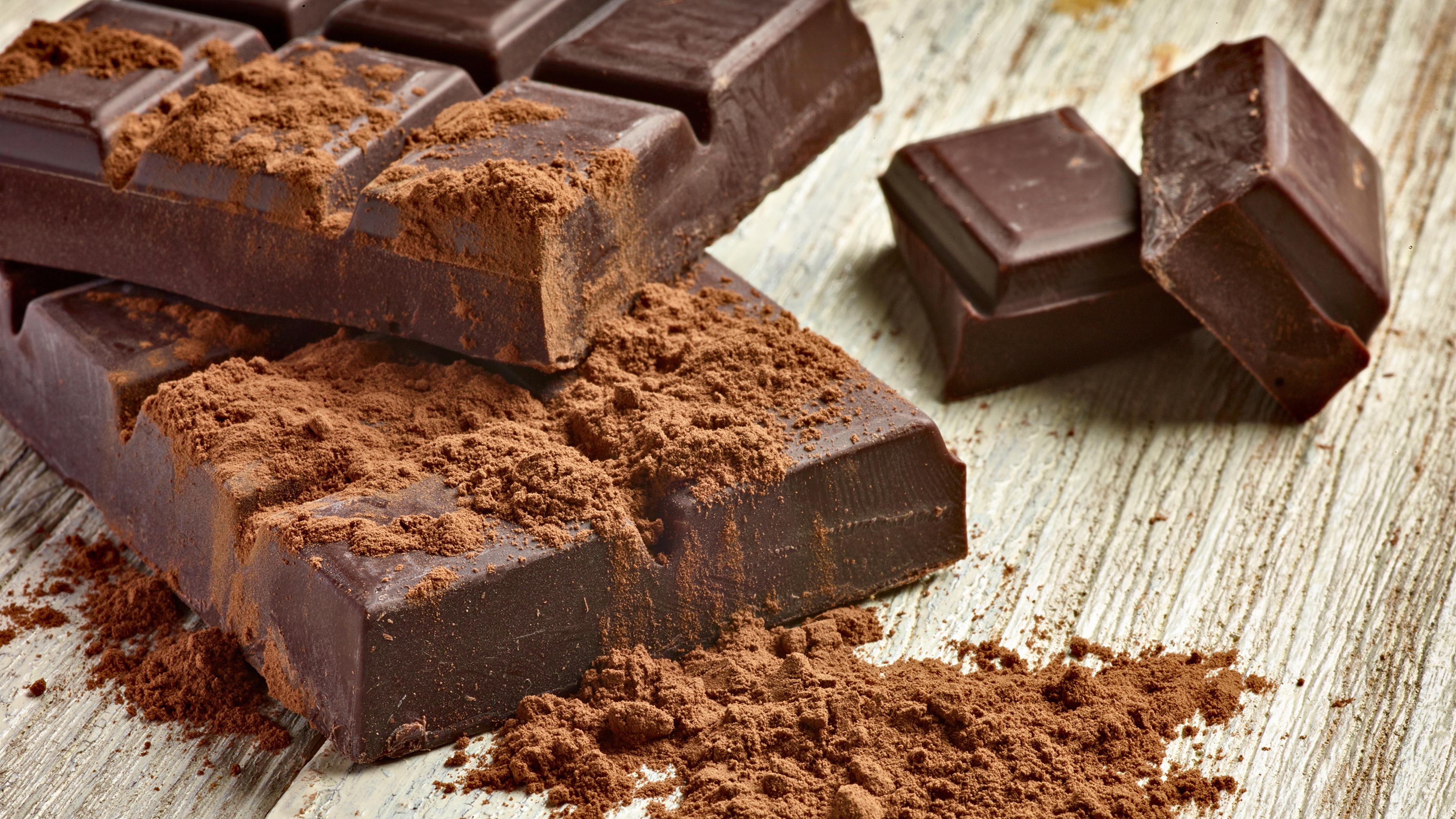 Картинки Пища Шоколад Доски Какао порошок сладкая еда шоколадка 3840x2160 Еда Продукты питания Сладости Шоколадная плитка